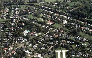 Con un drone detectaron 150 casas sin declarar for Como declarar una piscina en el catastro