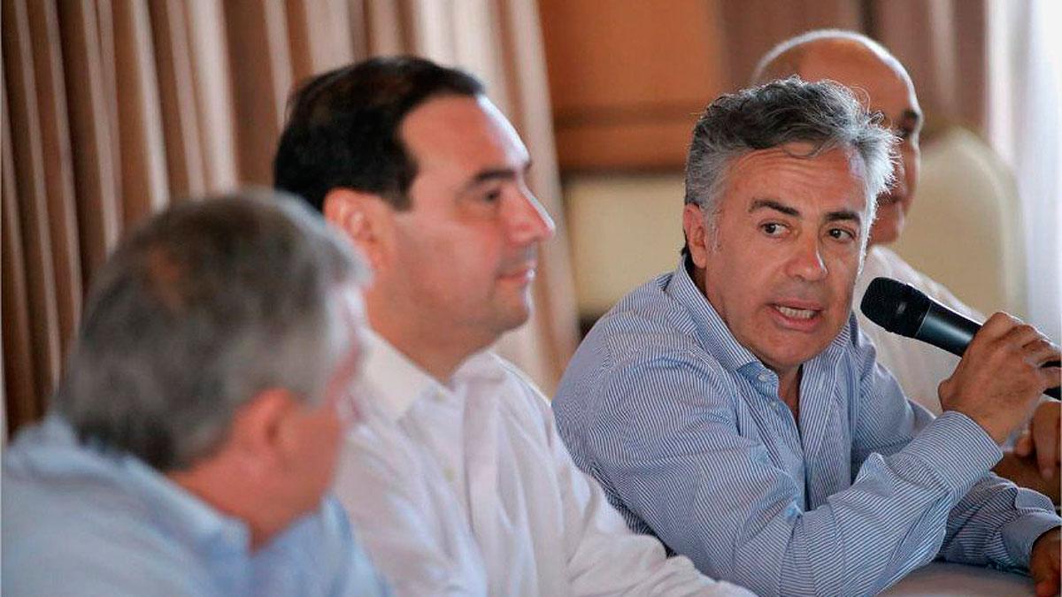 País: Con críticas al Gobierno, la UCR ratificó su pertenencia a Cambiemos